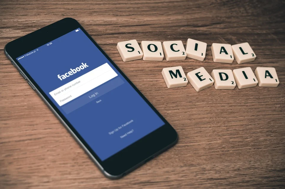 La red social predilecta para la promoción online de negocios sopla las velas